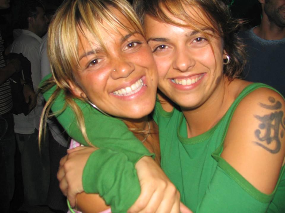 House-Café-Oh-Coruña-chicas-sonriendo