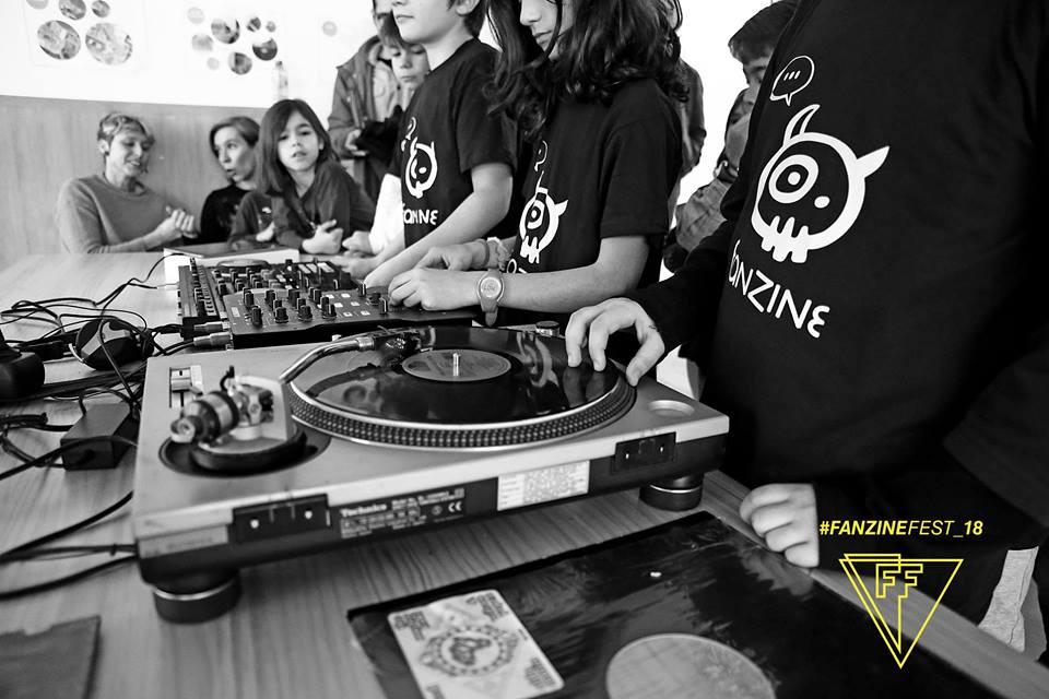 Taller-Dj-po-un-día-Fanzine-Fest-2018